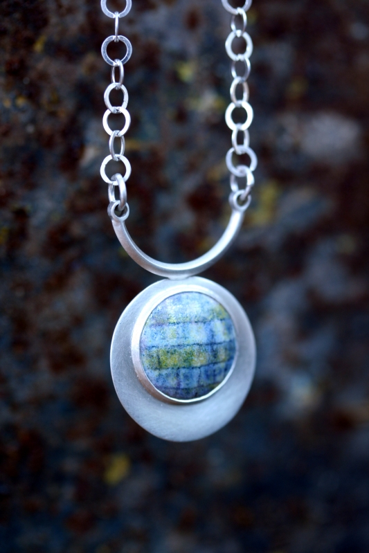 Check and circle Necklace