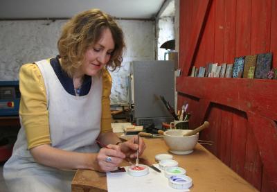 Kathryn Willis in workshop